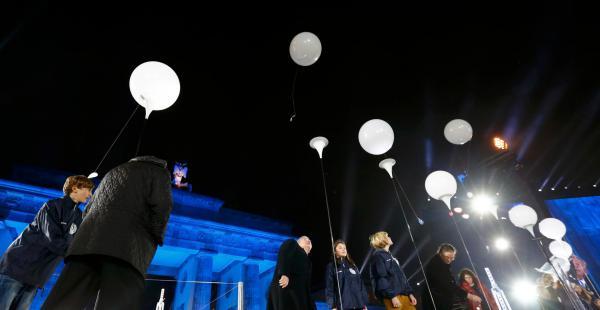 La commemoració de la caiguda del mur de Berlin a La Contra