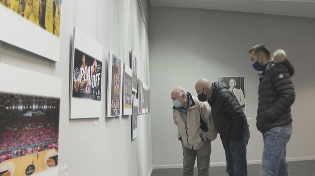 """""""50 anys junts"""": una visita per l'exposició del BC Andorra amb tres històrics del club"""