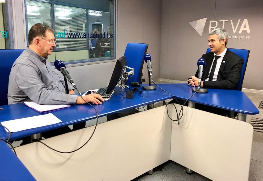 El cafè de l'Ara i aquí amb  Jordi Fernández