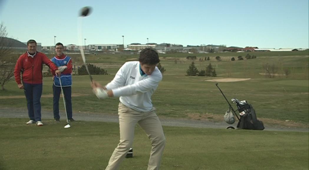 L'equip de golf és tercer a la classificació després de la primera jornada