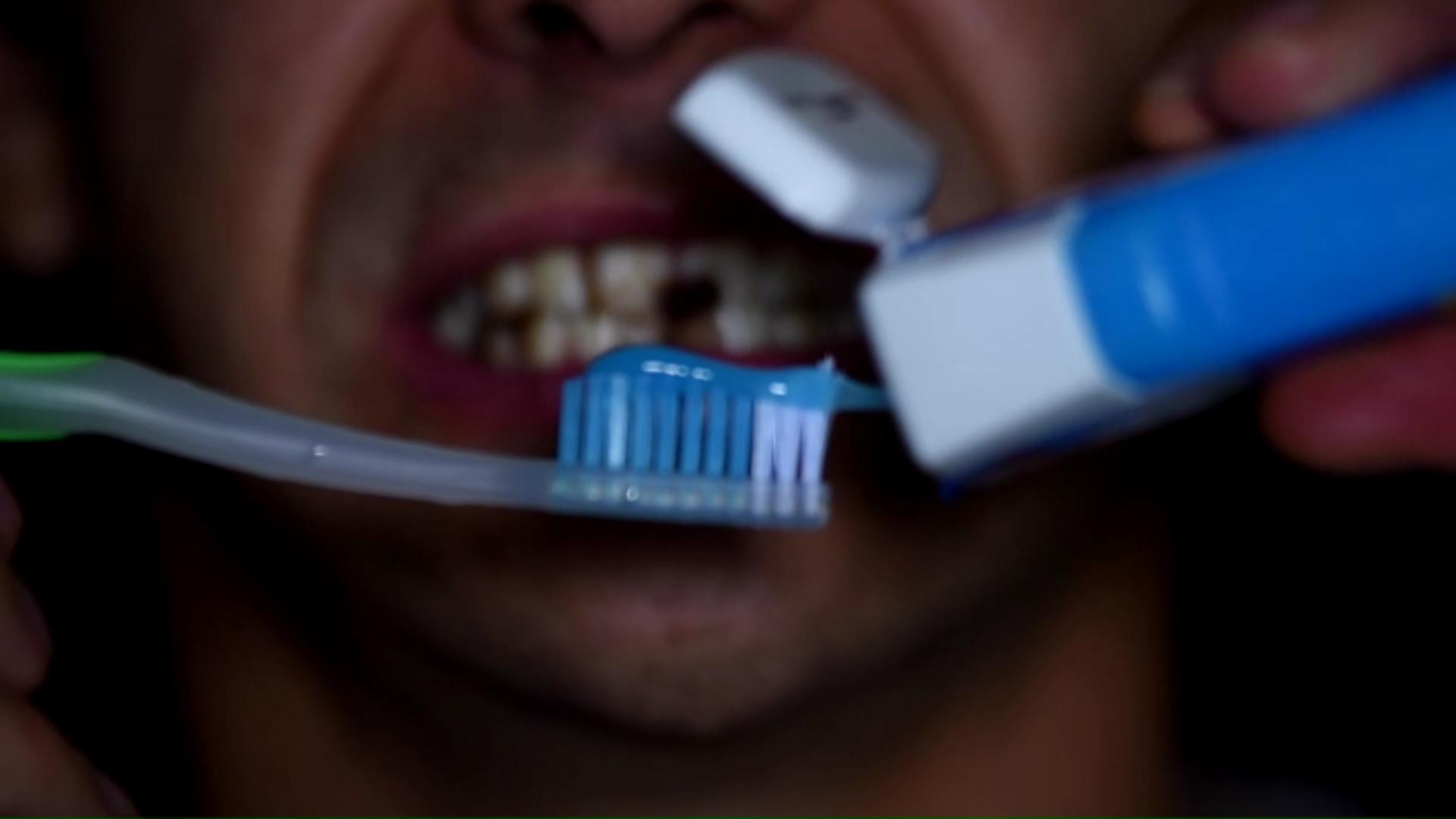 Les coses de la Martina T2 capítol 15 - A rentar-se les dents!