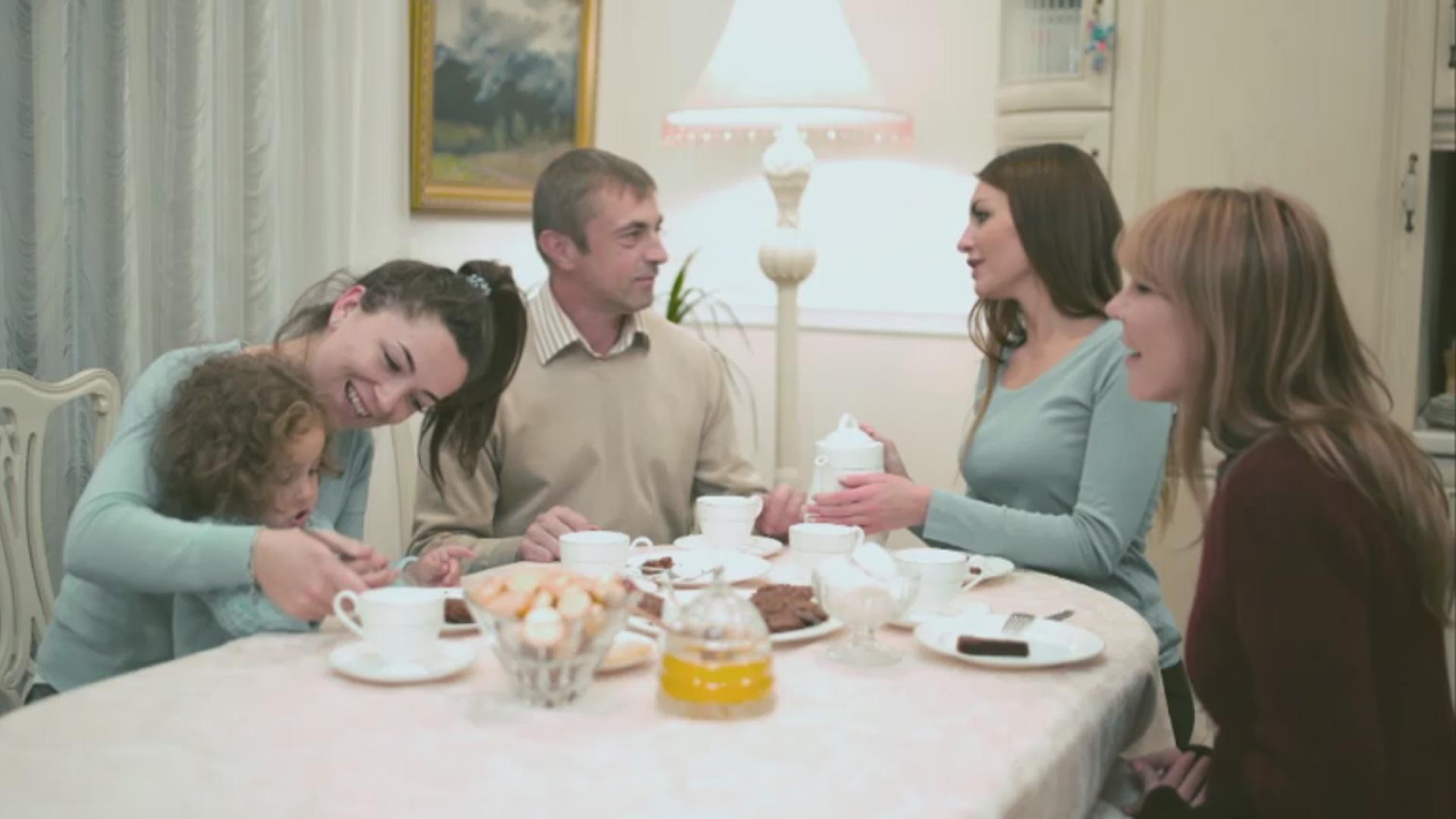 A la vostra salut - Beneficis de menjar en família