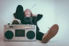 Temàtics: cançons sobre la ràdio