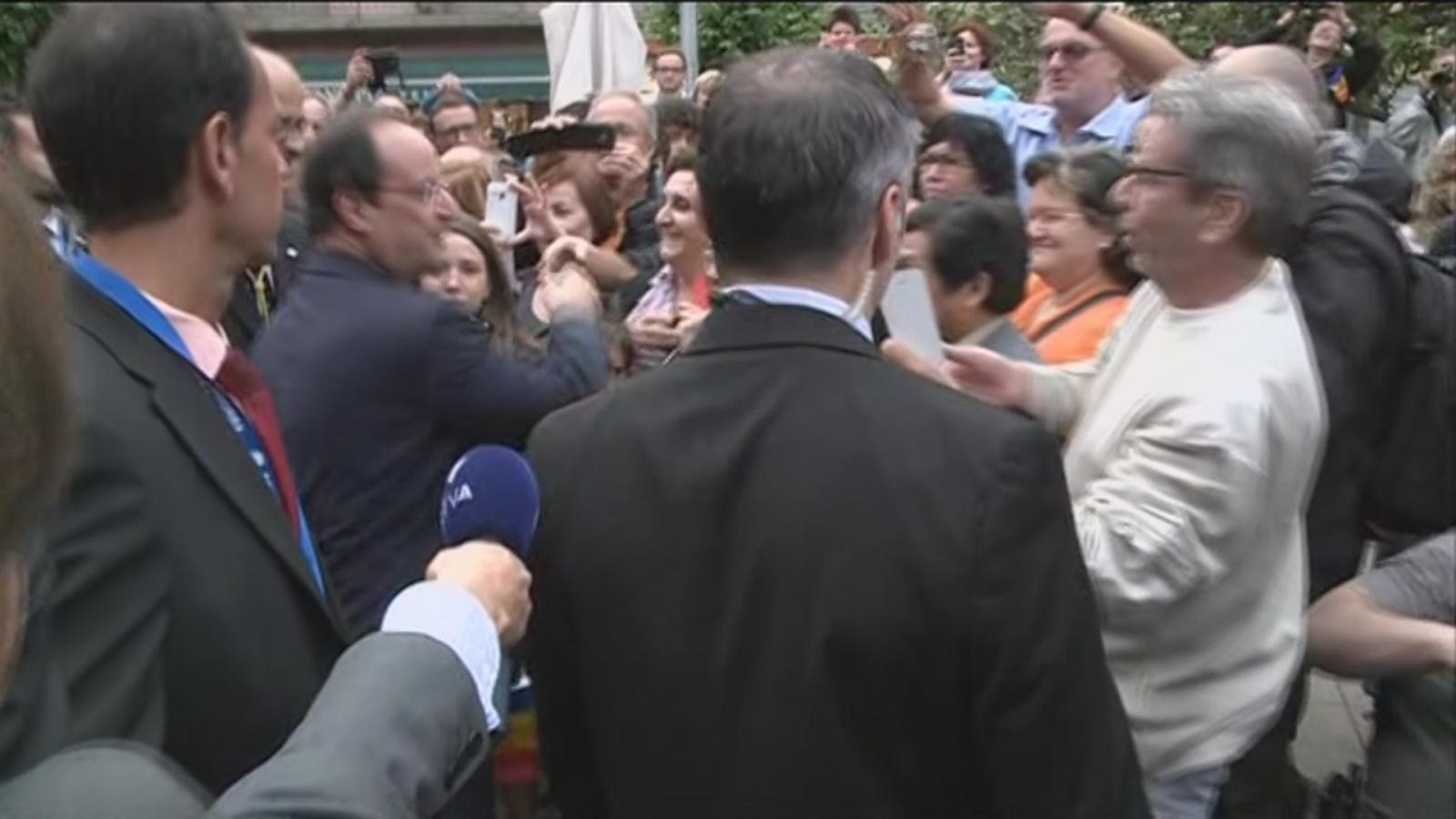 Hollande visita la parròquia d'Andorra la Vella
