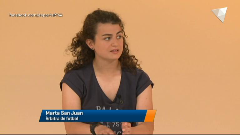 Dia E 3a Part - Marta San Juan, la primera àrbitra en la lliga nacional de futbol masculina